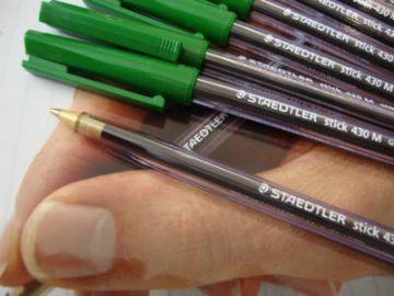 10 STAEDTLER BALL POINT PENS GREEN EXCELLENT QUALITY